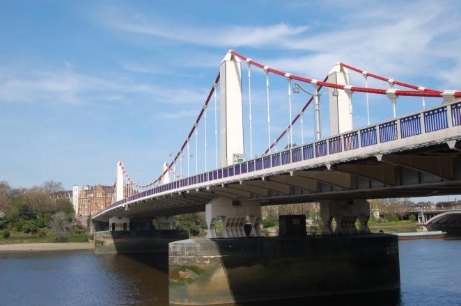 Chelsea bridge.jpg