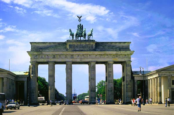 https://europaresa.files.wordpress.com/2013/04/brandenburger-tor.jpg