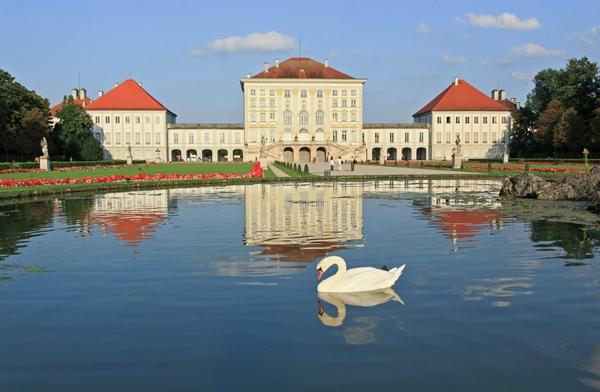 https://europaresa.files.wordpress.com/2013/05/96494-munich-nymphenburg-palace1.jpg