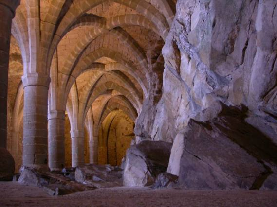 https://europaresa.files.wordpress.com/2013/05/9d73b-wallpaperbasement-of-chillon-castlepicture.jpg