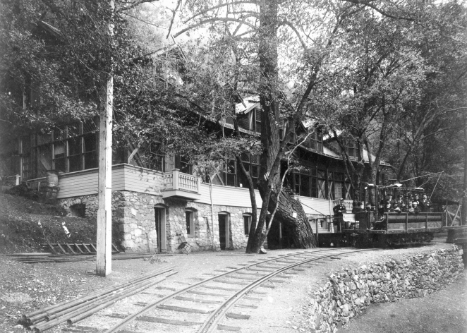 Mount_Lowe_Railway.jpg