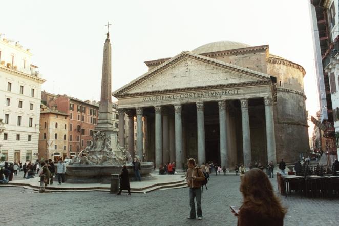 Piazza_della_Rotonda.jpg