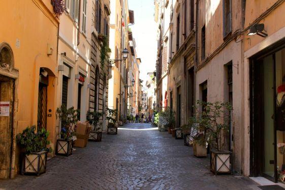 29 coronari_street_scene.jpg